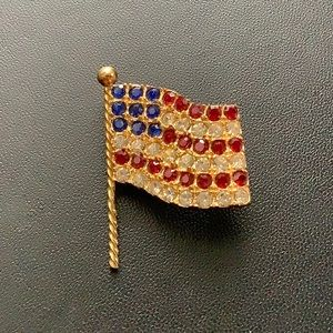 Gold flag pin, unmarked
